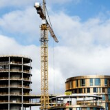 Arkivfoto. Konjunkturanalyse viser fortsat fremgang for byggeriet, i en situation hvor aktiviteten allerede har trukket lønninger, og dermed priser, op. Men i modsætning til for ti år siden er det primært dansk, og ikke udenlandsk, arbejdskraft, der skal løse problemet.