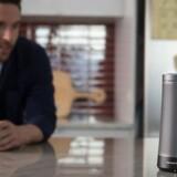 Invoke er en højttaler med indbygget talegenkendelsesteknologi fra Microsoft. Invoke produceres af det Samsung-ejede Harman Kardon og kommer til efteråret, og modsat konkurrenterne vil man kunne bruge den som telefon, fordi Microsoft samtidig indbygger sit Skype-program til internettelefoni. Foto: Harman Kardon