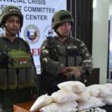 Arkivfoto: De seneste måneder har der været stribevis af narkoaktioner i den sydlige del af Filippinerne. I sidste måned blev dette foto offentliggjort efter, at filippinske tropper havde beslaglagt 11 kg af det ulovlige stof »shabu«.