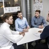 Uddannelses- og Forskningsminister Søren Pind (V) vil lancere en erhversrettet kandidat, som tager fire år istedet for to, men som i højere grad tillader den studerende at indgå på arbejdsmarkedet samtidig med studierne.