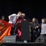 Lizette Risgaard, formand for LO, talte 1.maj i Fælledparken, men hun blev afbrudt af en tømrerlærling, som kaldte hende klasseforræder. Jens Astrup/Scanpix 2017