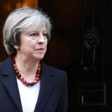 Storbritanniens premierminister, Theresa May, sad med på bænkene i Overhuset for at lytte med på debatten, da medlemmerne mandag tog hul på to dages debat om det kommende brexit.