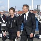 Mangeårig partner hos konsulentfirmaet McKinsey, Michael Halbye, er blandt andet ven med Kronprins Frederik. Her ses han med fruen, designer Pernille Halbye, ved en royal dåb 2011.