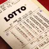 Kopi af lotto vinderkuponen fra i lørdags. Ligger i en montre ved kiosken i Føtex I Vibenhus Centret.