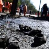 En bombeeksplosion har kostet 26 personer livet.
