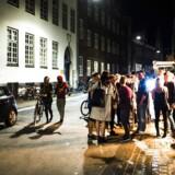 Forsamlinger foran byens forskellige barer, caféer, natklubber og værtshuse er noget af det, Enhedslistens borgmester vil komme til livs.