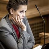 Men det er SF-formand Pia Olsen Dyhr ikke tilfreds med. Hun har derfor kaldt miljøminister Esben Lunde Larsen (V) i samråd.