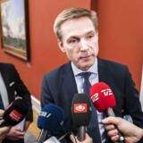 Dansk Folkepartis formand, Kristian Thulesen Dahl, var en flittig gæst i Statsministeriet i sidste uge. Her ses hans på vej ind til et møde fredag eftermiddag sammen med sin finansordfører, René Christensen.