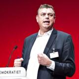 Næstformand Mogens Jensen (S) beder fagbevægelsen respektere grænsen for politisk indblanding i overenskomstforhold.