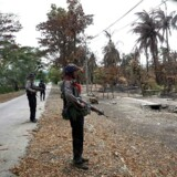 Næsten 400 personer er blevet dræbt under kampe i Myanmar.