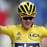 Den forsvarende Tour de France-vinder, Christopher Froome, har delt et billede af hans totaltsmadrede cykel efter at være blevet påkørt af en bil. Froome er overbevist om, at det var med vilje. (Arkiv)
