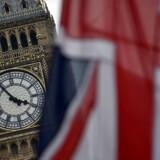 Arkivfoto. Briterne foretrækker vodka og tøj fra Nike og har endnu ikke opdaget, at brexit kan gøre deres vaner dyrere.