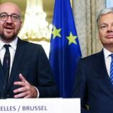 Belgiens premierminister, Charles Michel (tv), og udenrigsminister Didier Reynders (TV) var to lettede mænd, da de torsdag middag kunne annoncere, at de var nået til enighed med de belgiske regioner om forsikringer, der skal føre til, at Belgien som det sidste EU-land er klar til at underskrive en stor frihandelsaftale med Canada. REUTERS/Yves Herman