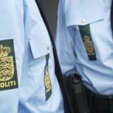 Det endte i ballade, da politiet mandag var kørt ud på Brogade i Holbæk, hvor en 50-årig mand havde en truende adfærd. Free/Politiet