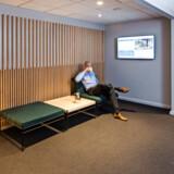 Mange moderne kontorer, og ikke mindst kontorhoteller, er indrettet for at tiltale den unge generation på arbejdsmarkedet.  I Our Office er udtrykket mere klassisk. Billedet er fra lokalerne på Hollandsvej i Lyngby, men designvalgene går igen på de andre lokationer. Foto: Nordea Ejendomme.