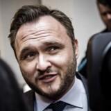 Socialdemokratiets integrationsordfører, Dan Jørgensen, er klar med et nyt forslag om at sløjfe støtten til friskoler, hvor mere end halvdelen af eleverne har udenlandsk baggrund. DF og K bakker op.