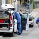 Nordsjællands Politi har anholdt en kvinde på en adresse i det centrale Lyngby tidligt søndag morgen efter en »intern familiemæssig« konflikt, som politiet formulerer det.