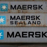 Tomme Mærsk-containere stablet ovenpå hinanden ved Peel Ports containerterminal i Liverpool, december 2016.