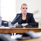 Udlændingeministeren erkender, at der ikke er blevet administreret lovligt i adskillelsen af asylpar.