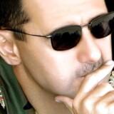 I dag i sensommeren 2016 sidder Assad fortsat sikkert i sadlen – altså så sikkert, som det nu engang kan være i et land hærget af en af de blodigste borgerkrige/stedfortræderkrige i årtier. Den syriske præsident har overlevet skiftende europæiske regeringer, og herhjemme er Kristian Jensen den femte udenrigsminister, siden Danmark erklærede, at Assads tid var omme. Foto: AY-Collection