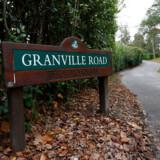 Det var hér på Granville Road i Surrey, Alexander Perepilitjnyj blev fundet livløs i november 2012. Foto: REUTERS/Olivia Harris
