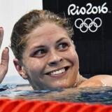 Lotte Friis vinker fra bassinet i 800 meter fri til de Olympiske Lege i Rio de Janeiro i august 2016. Lotte Friis har vundet adskillige medaljer igennem sin karriere - som nu er slut..