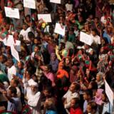 Oppositionstilhængere i Maldiverne protesterede søndag aften mod regeringens afvisning af at løslade politiske fanger, herunder den tidligere præsident Mohamed Nasheed. Reuters/Stringer