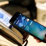 Både Nordeas og Jyske Banks danske kunder får nu adgang til Apple Pay.
