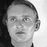 Søren Kam er nummer 7 på listen over eftersøgte nazister. Søren Kam er 98 år. Han anklages for mordet på den danske journalist Carl Henrik Clemmensen og for at have været aktiv under forberedelserne af jøde-aktionerne i Danmark. Kam bor idag i Tyskland.