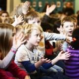 Dit barns muligheder for at klare sig godt i skolen afhænger i høj grad af, hvor i landet du bor, viser Berlingske Kommuneindeks. Her er det en time fra musikundervisningen på Utterslev Skole i København, hvor man holder morgensamling med morgensang hver morgen.
