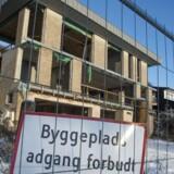 Lejligheder bliver revet væk i de større byer, længe før bygningerne står færdig. Ifølge ekspert kan det populære projektsalg være et tegn på skadelig spekulation i markedet.