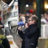 Den svenske galleriejer Henrik Ronnquist arrangerede Malmös første PEGIDa-demonstration mandag aften.