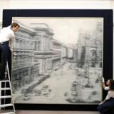 """Gerhard Richters maleri """"Dompladsen i Milano"""" blev forleden solgt for 37,1 millioner dollar svarende til 215 millioner kroner."""