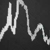 Nu forudser den kendte grundlægger af investeringshuset GMO, Jeremy Grantham, at de finansielle markeder i 2016 vil opleve store fald, der potentielt kan føre flere statsbankerot med sig rundt om i verden.