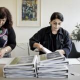 Integration foregår i høj grad på arbejdsmarkedet. Også hvis du spørger Suna Seuilay Kanat (t.v.) og Sare Acerüzümoglu (t.h.) , som begge har tyrkisk baggrund og siden 2010 har været ansat i ATP i afdelingen Fase+.  Afdelingen, som har 11 nydanske kvinder ansat, var nomineret til årets integrationspris.