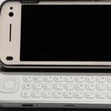 En af Nokias klassikere, N97, er blandt de mange millioner Nokia-telefoner, som brugte Nokias styresystem Symbian, som en pengeafpresser truede med at afsløre hovednøglen til, hvis ikke mobilgiganten betalte kontanter. Arkivfoto: Lluis Gene, AFP/Scanpix