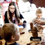Børne- og undervisningsminister Christine Antorini forsvarer pædagogerne efter kritik af »elendige« vuggestuer. Møllehuset i Gladsaxe (foto) er den lykkelige undtagelse.