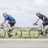 Der bliver kørt hurtigt på cykel på Kalvebod Fælled. Også for hurtigt. Ikke mindst ved Naturcenter Vestamager.