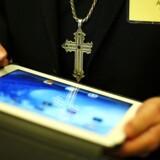 De fleste har ikke brug for at koble deres tavlecomputer på mobilnettet men vælger at nøjes med trådløse forbindelser. Foto: Kevin Lamarque, Reuters/Scanpix
