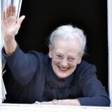 """Familien og europæiske kongelige sang """"I Østen stiger solen op"""" for dronning Margrethe på hendes 75-års fødselsdag."""