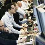 Det danske aktieindeks runder 900 for første gang.