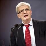 Skatteminister Holger K. NIelsen (SF) vil bruge 40 mio. kr. over fire år på at dæmme op over for virksomheder, der søger i skattely.