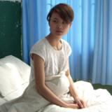 Deng Yujiao er her fanget på hospitalet i Badong efter at være blevet overfaldet af en embedsmand.