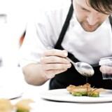Kokke fra hele verden kommer til Noma for at arbejde gratis for verdens bedste restaurant.