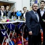 Venstre formand Lars Løkke Rasmussen følger resultatet i skolevalg 2015 under den afsluttende valgfest på Christiansborg torsdag d. 29 januar 2015. I skolevalg har tusindvis af elever fra 8. og 9. klasse på 800 skoler landet over været i stemmeboksen og stemt på det parti, de er mest enige med.