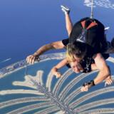 Når du er i luften med Skydive Dubai, har du bl.a. udsigt over hele den palmeformede, menneskeskabte ø.