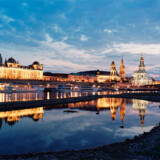 Dresden blev af brugerne på www.trivago.co.uk bedømt til at være den bedste by i Europa, når det kommer til hotelophold. Her ses noget af den gamle by fra flodsiden.