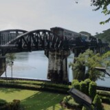Bro nr. 277 i Thamakhan,få kilometer nord for Kanchanaburi by, blev også bygget af Japans krigsfanger, og selv om den ikke figurerer i den berømte biograffilm, er den officielt udnævnt til at være Broen Over Floden Kwai.