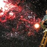 Saul Perlmutter er en af tre modtagere af nobelprisen i fysik.