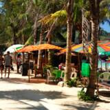 Danskerne har netop kåret thaierne som de mest gæstfri ferieværter. Og det er da også en dejlig oplevelse for både børn og voksne at feriere i Thailand, der har mange lækre strande.